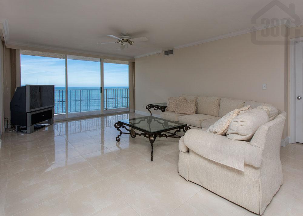 peninsula 1201-1202 living room