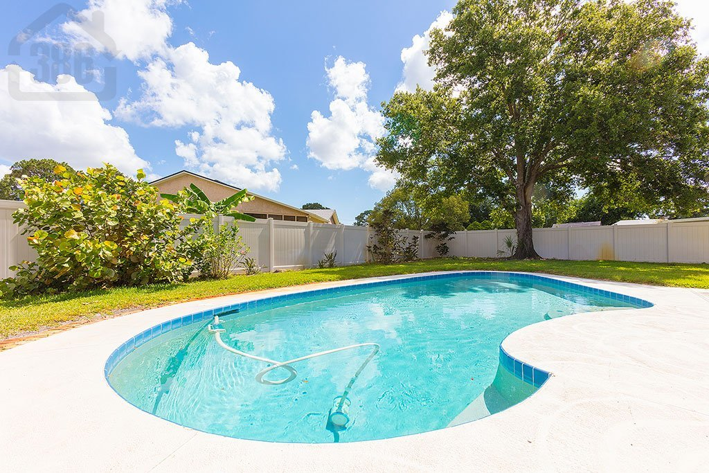 1427 harnden pool home