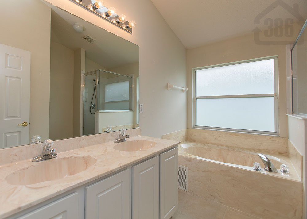 5421 ward lake bath